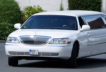 Lincoln Town Car Stretchlimo in Dortmund [NRW] mieten - Limostrip.com