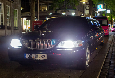 Lincoln Town Car Stretchlimo in Hamburg mieten - Limostrip.com