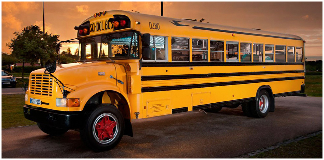 us school bus in m nchen mieten. Black Bedroom Furniture Sets. Home Design Ideas
