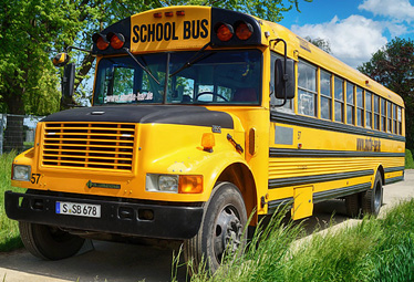 US School Bus in Stuttgart mieten - Limostrip.com